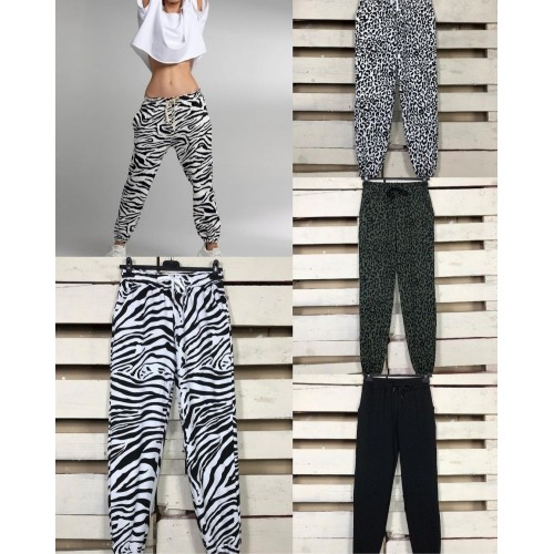 PANTALON TIPO CHANDAL ANIMAL PRINT